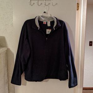 BRAND NEW...Hanes pullover fleece